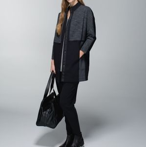 Lululemon coat size small